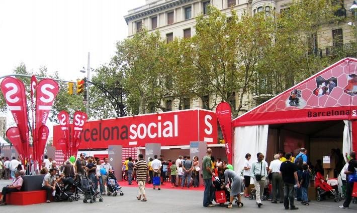 Estand, stand, Ciutat de les Persones 2008, Barcelona, banderes, banderas, flags